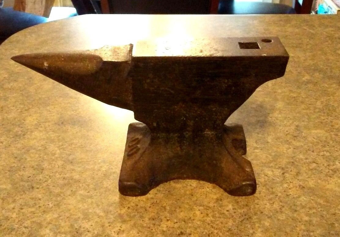 Amazing Vintage Illinois & Iron Co#00 Vulcan 5 LB Blacksmith Farrier