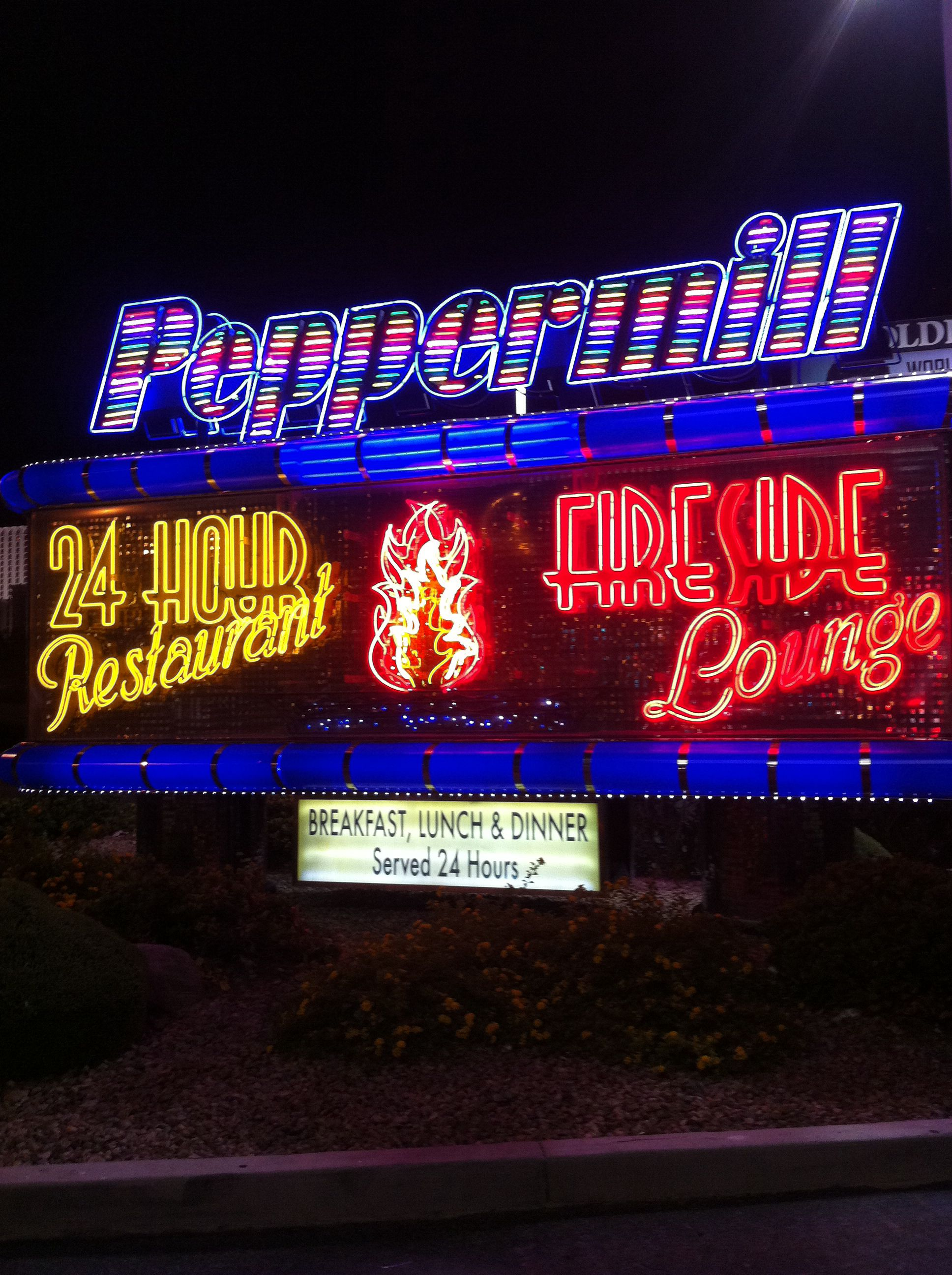 The Travel Channel Says The Peppermill Restaurant Is One Of The Best Late Night Eats In Las Vegas Las Vegas Restaurants Vegas Vacation Las Vegas