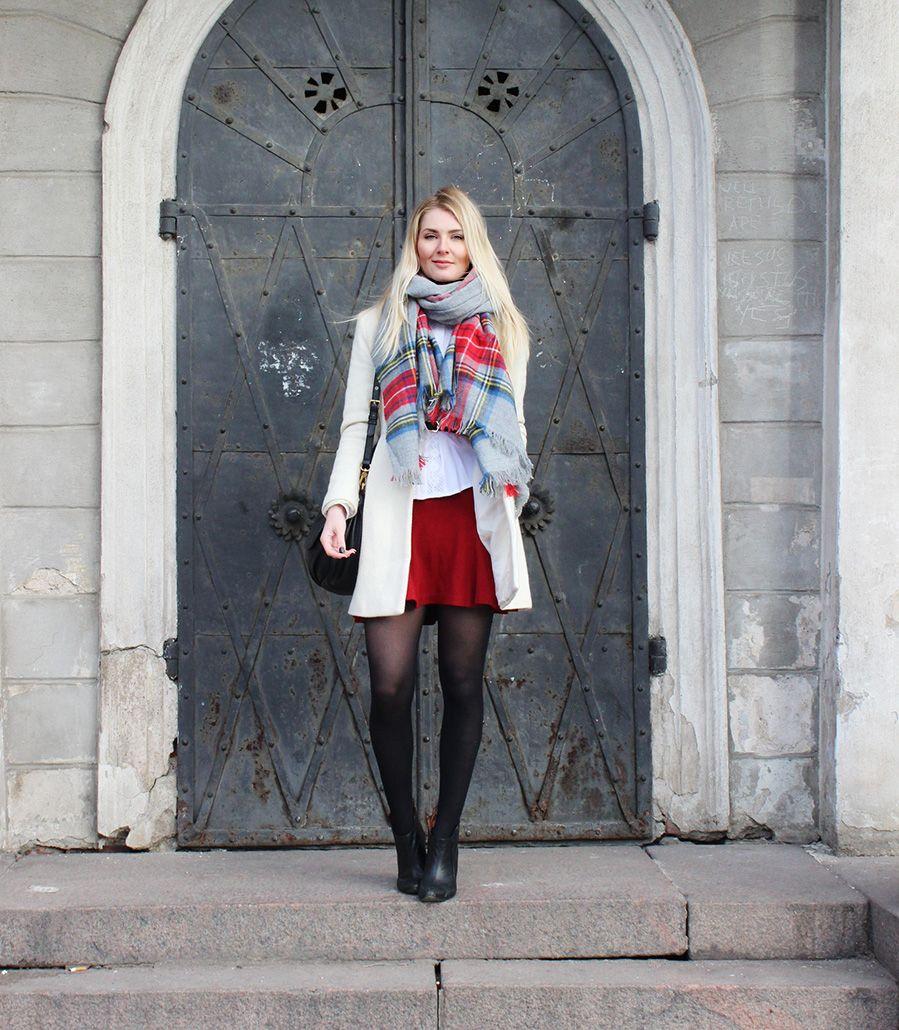Asu ripauksella punaista | Secret Wardrobe