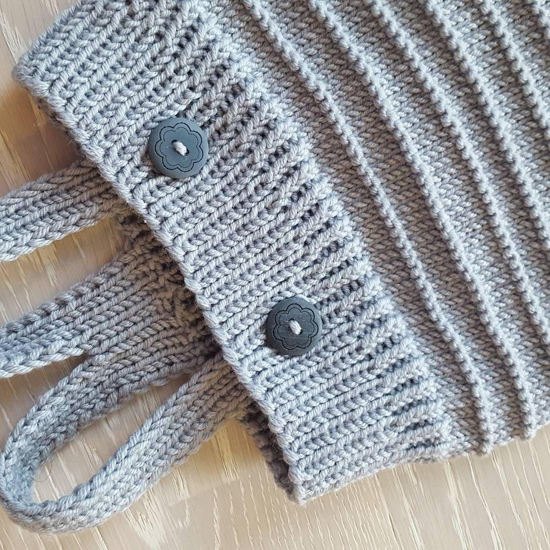 Ravelry: Gullgutten jakke pattern by Klompelompe