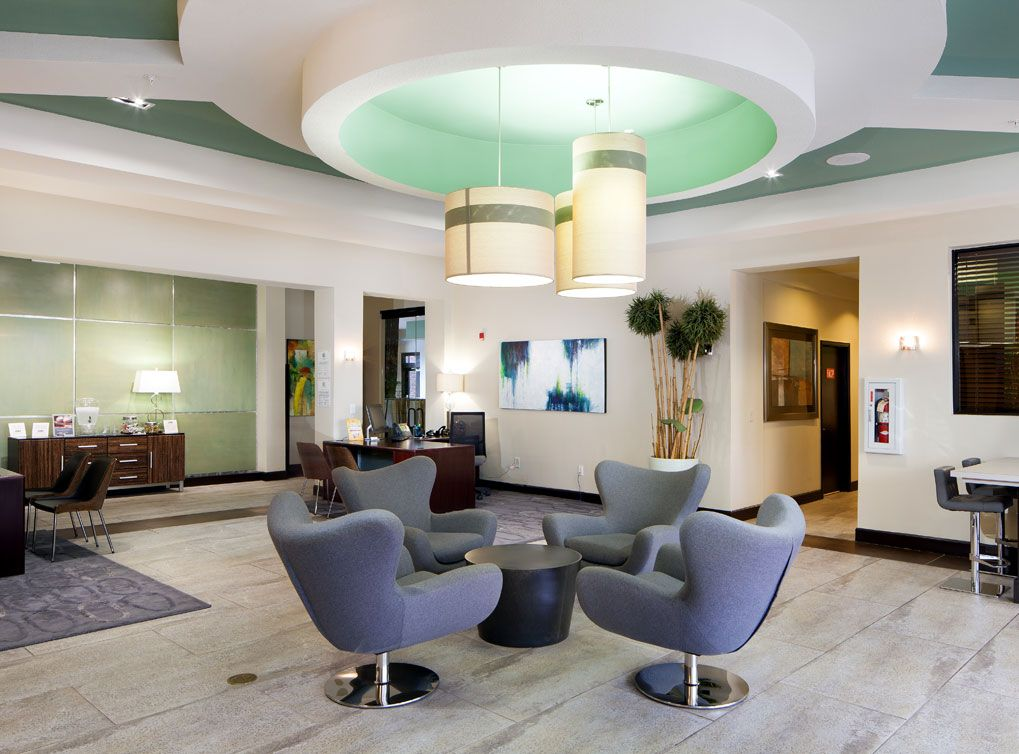Resident lounge area at AMLI Eastside, a luxury apartment