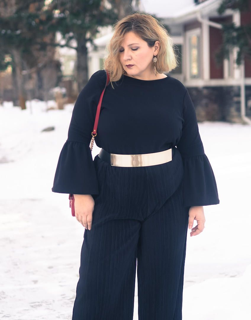 all black date night outfit gold gucci bell sleeves plus size curvy fashion blogger over. Black Bedroom Furniture Sets. Home Design Ideas