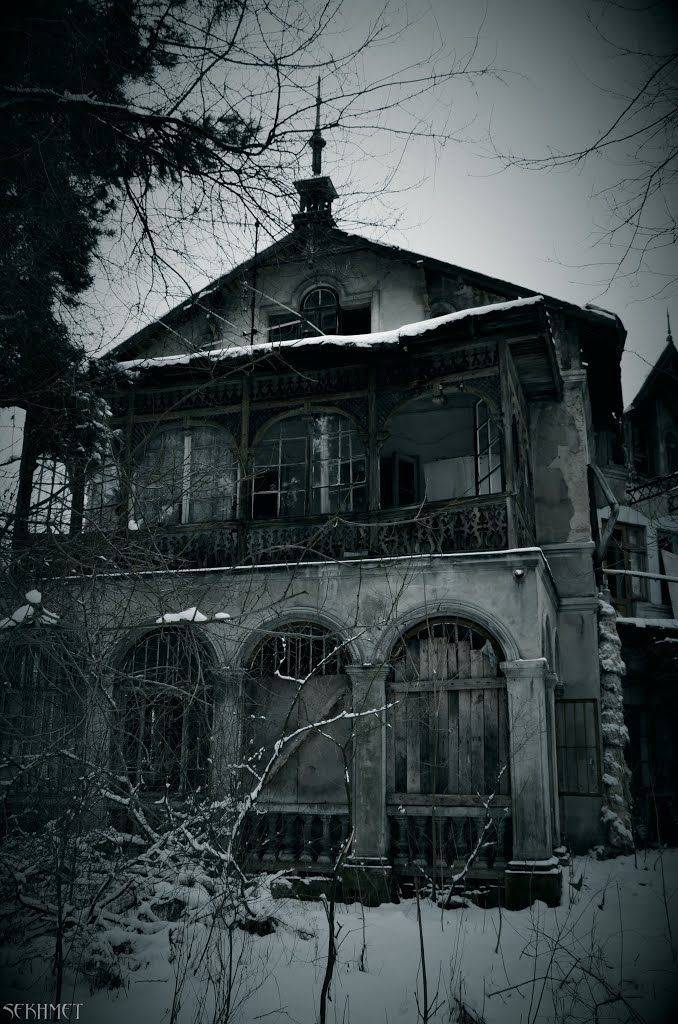 #Abandoned villa. Konstancin Jeziorna, Warsaw, Poland.