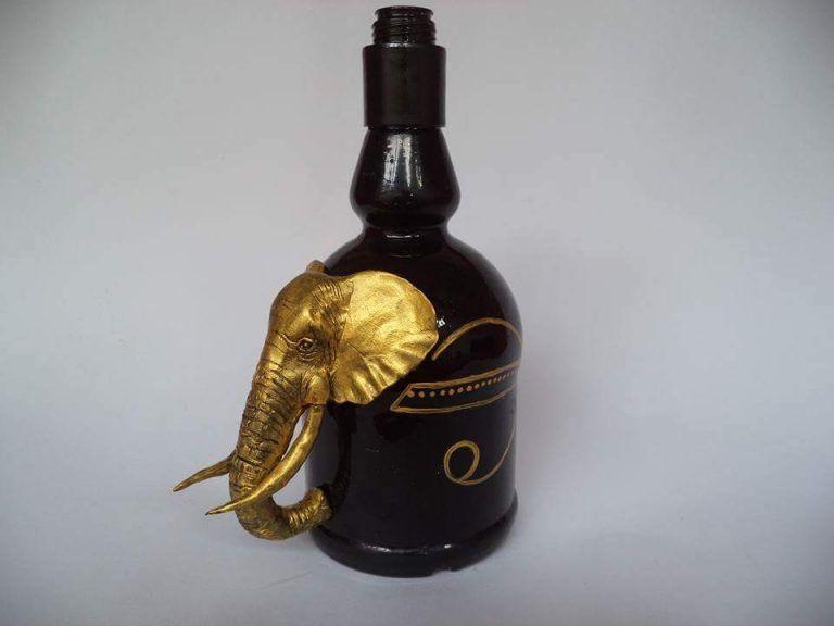 50+ Brilliant DIY Old Wine Bottles For Artful Décor#artful #bottles #brilliant #decor #diy #wine
