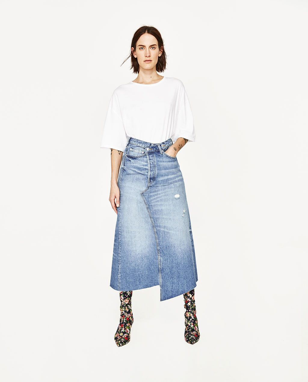 a14a9514f Image 1 of DENIM MIDI SKIRT from Zara | My Style in 2019 | Denim ...