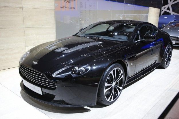 Aston Martin V12 Vantage in Carbon Black