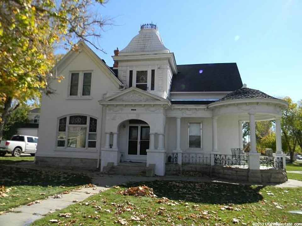 1890 Queen Anne Mount Pleasant Ut House Old Houses For Sale Old House Dreams