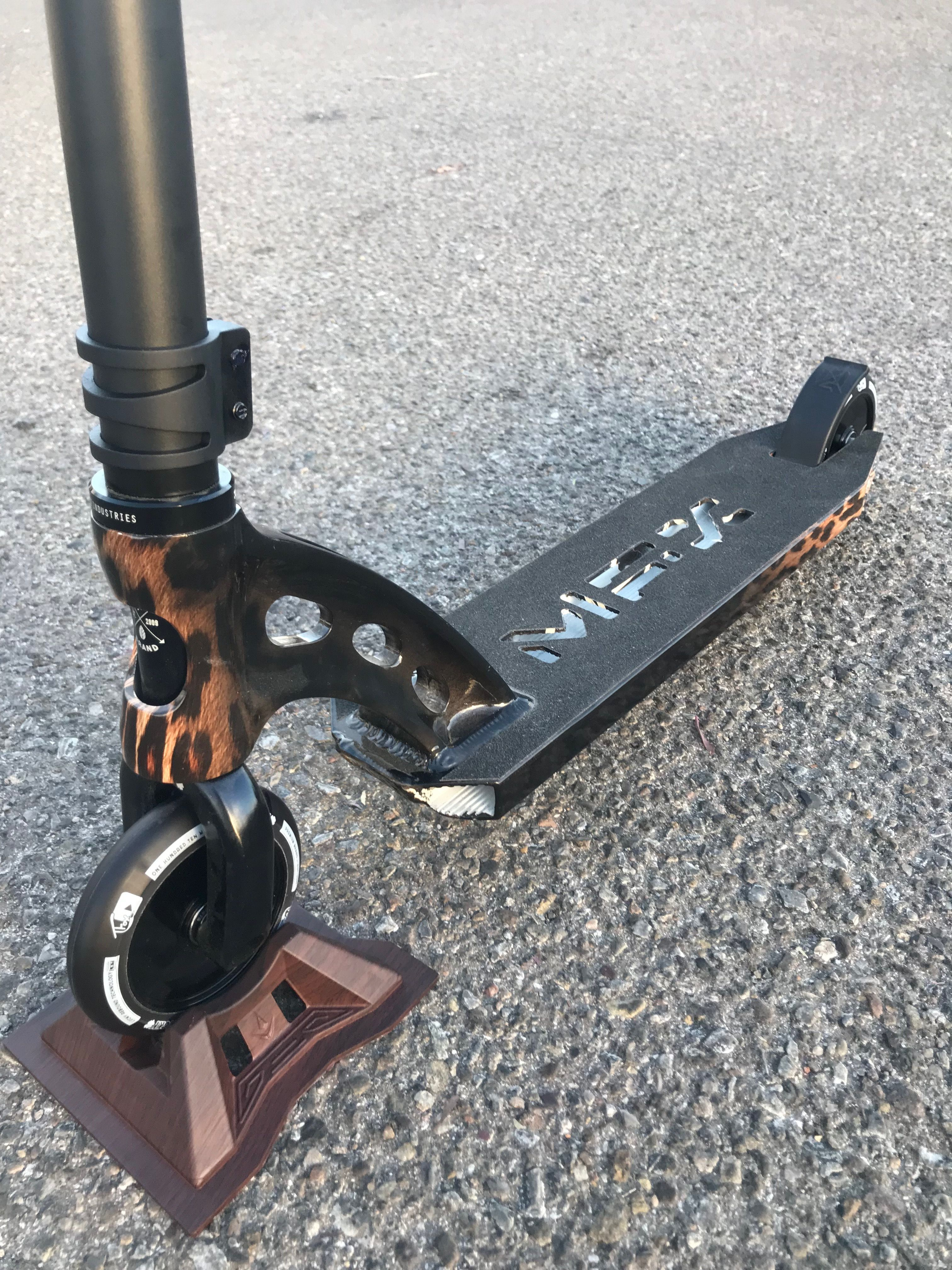 MADD Gear MFX Deck on a custom Scooter from Kryptic! www