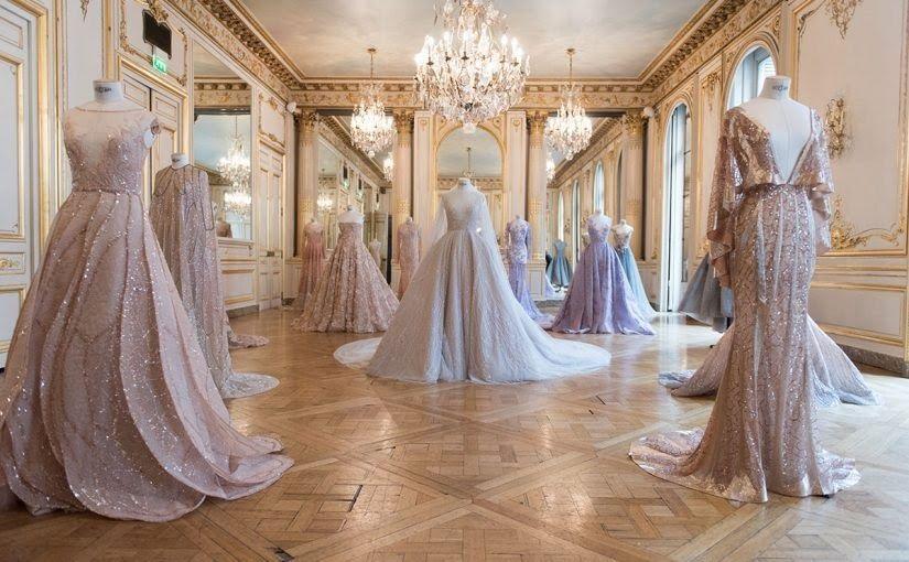 نقدم لكم تفسير لبس الفستان في المنام فالفساتين من الملابس المفضلة للنساء حيث تشعر بالبهجة والسعادة لارتدائها ولكن ما معنى Dreamy Gowns Paolo Sebastian Fashion