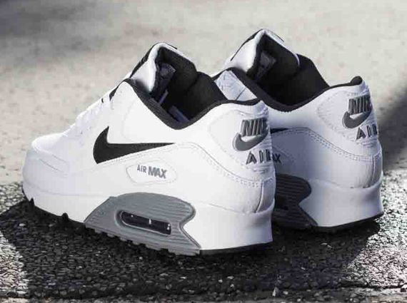 Nike Air Max 90 Essential Leather White Black Cool Grey Sneakernews Com Nike Free Shoes Nike Shoes Outlet Nike Shoes Women