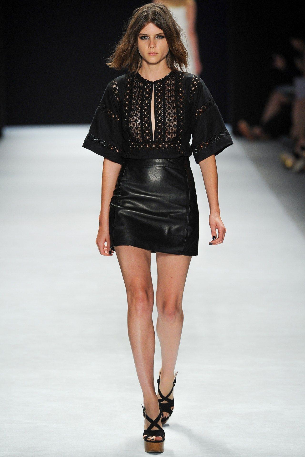 Watch Jill Stuart SpringSummer 2014 RTW – New York Fashion Week video
