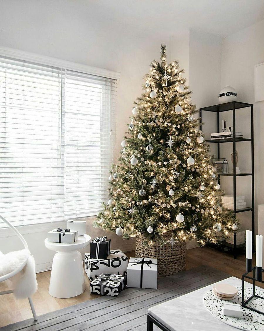 25 Scandinavian Christmas Living Room Decor Ideas Cool Christmas Trees Christmas Decorations Living Room Beautiful Christmas Trees
