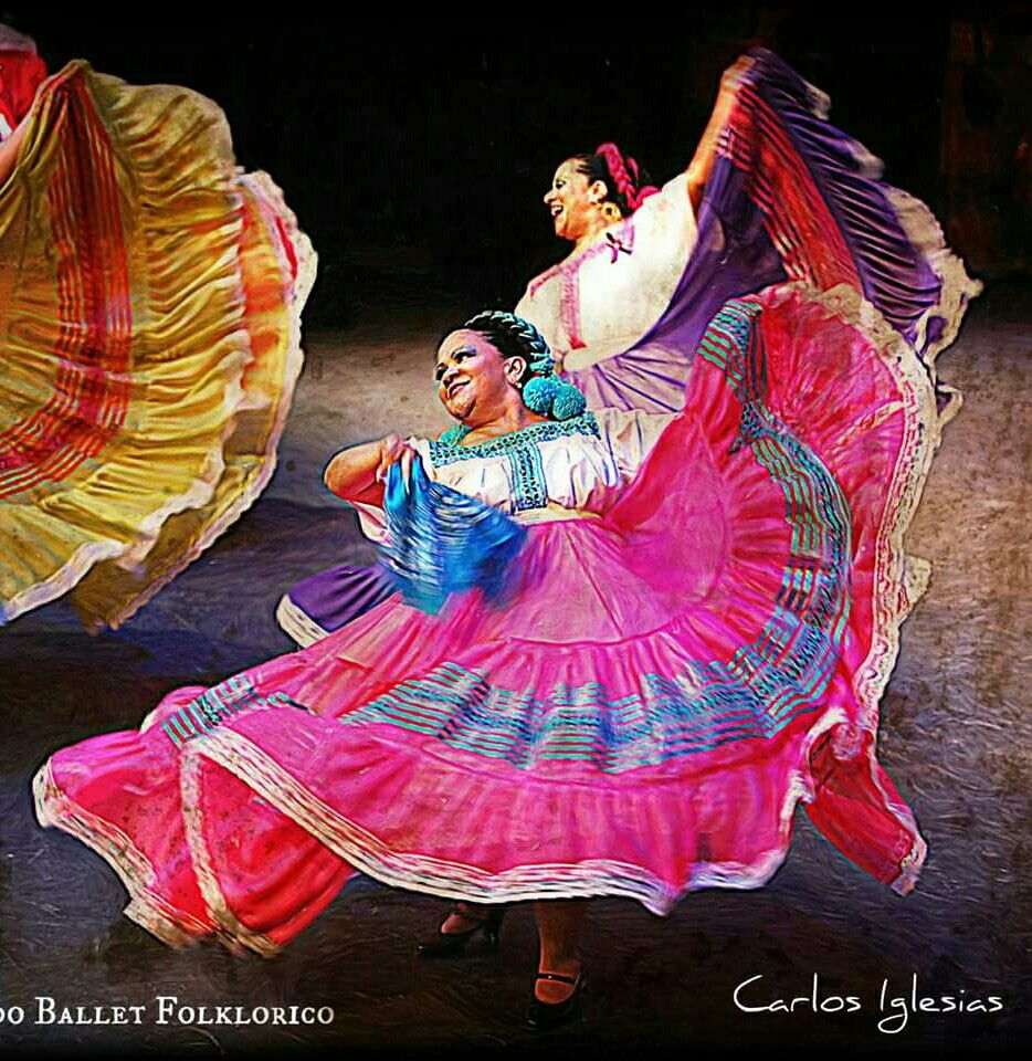 Pin By Leslie Angel On Ballet Folklorico 3 Ballet Folklorico Folklorico Dresses Traditional Mexican Dress