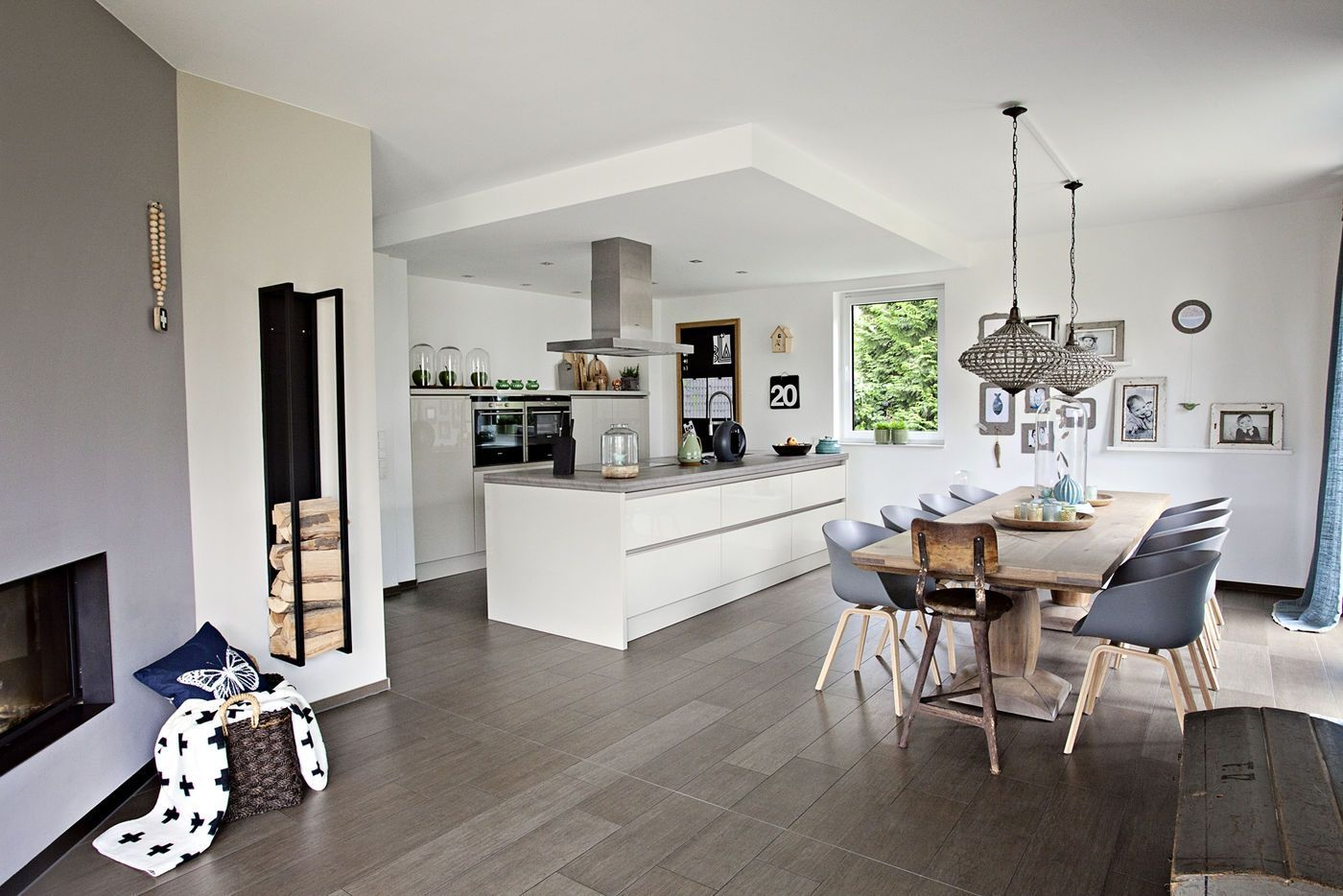 10 Wohnzimmer mit offener kuche