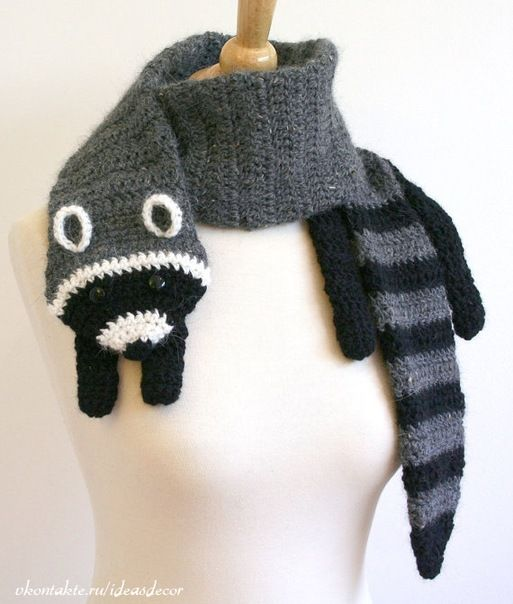 Raccoon scarf... I think... I would knit a skunk one :)