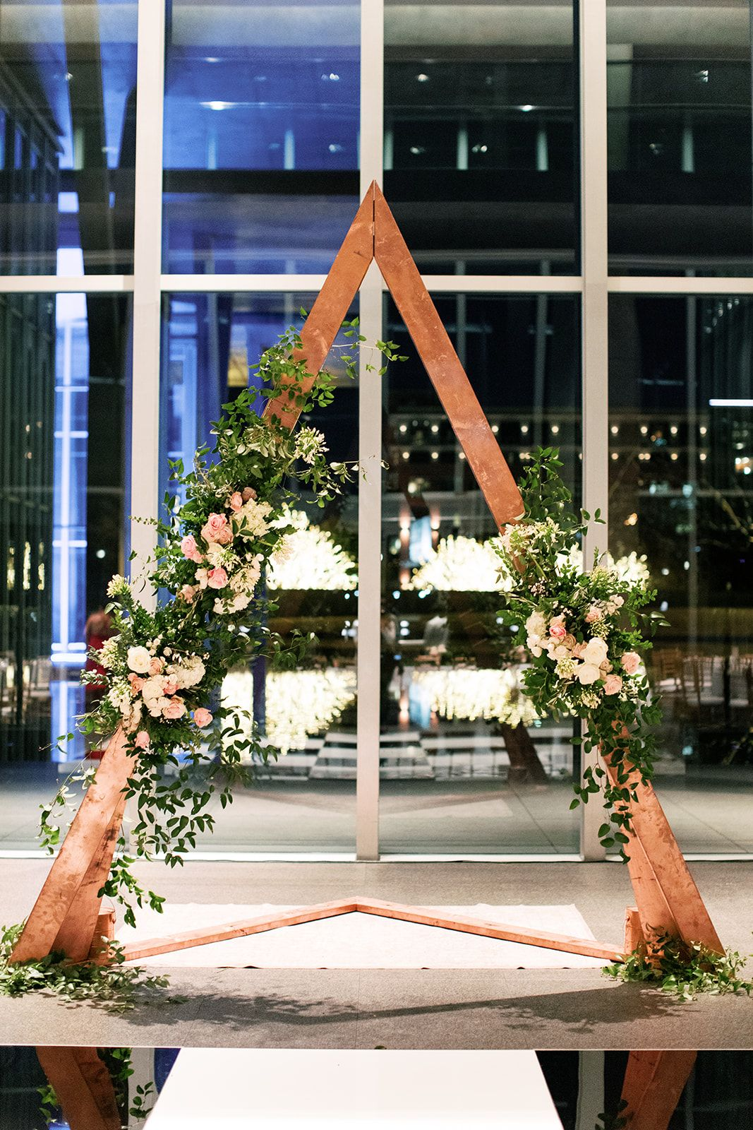 Creative Backdrop And Arch Rentals For Your Dallas Fort Worth Wedding Feather And Twine Photography Pollen Events The Modern Art Museum O Floral Arch Wedding