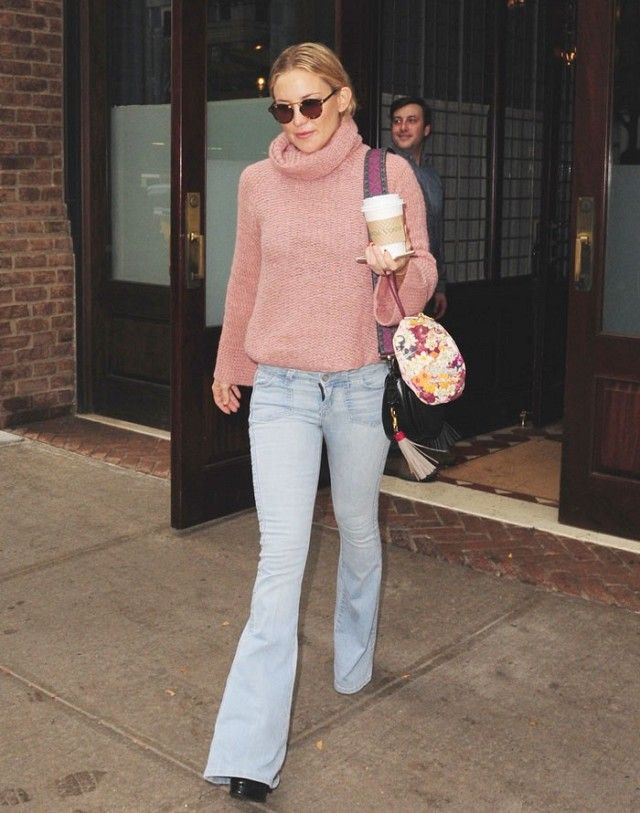Kate Hudson Shows Us How to Nail Flared Jeans | Kate hudson, Jean ...