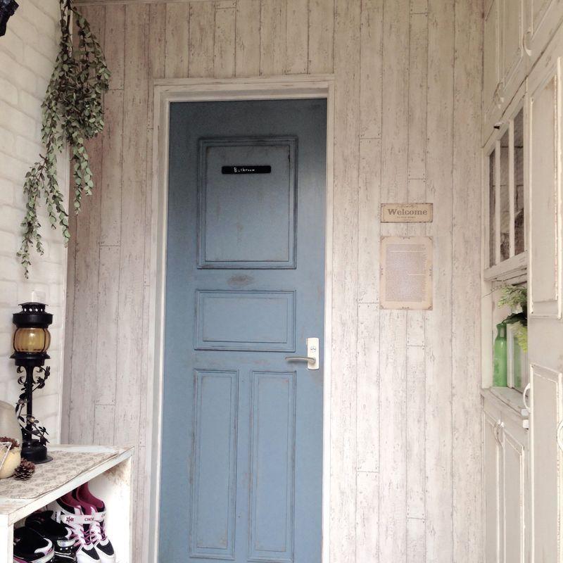 Diy お部屋の雰囲気に合わせてドアや窓を洋風にリメイク おうちのドア大公開 小さな家の外観 ドア 海外インテリア ワンルーム