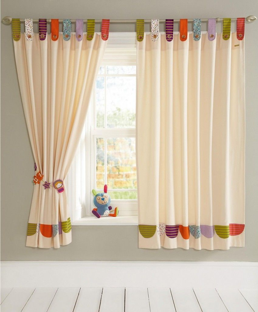 Idea para hacer una cortina lisa y aprovechar retales para - Cortinas para bebes ...