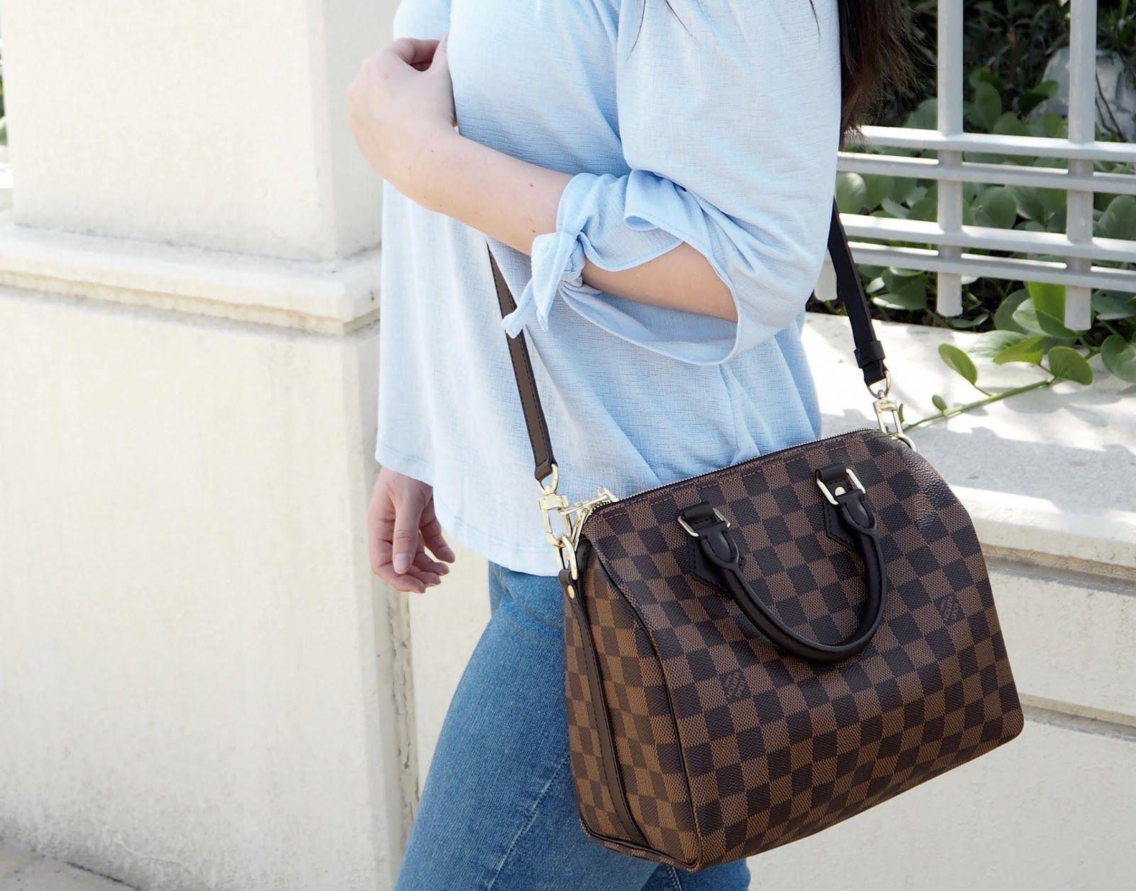 0875b03b9b9a Louis Vuitton Speedy Bandouliere 25 Review   Outfit Shots   Louisvuittonhandbags