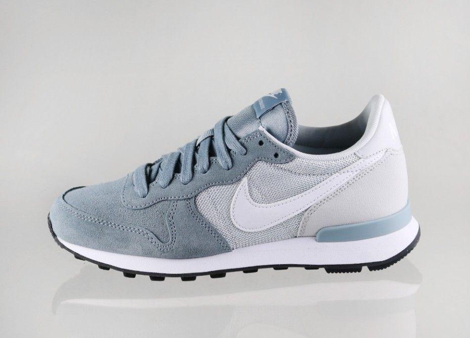 finest selection 2a3a1 07fcb Nike wmns Internationalist (Dove Grey  White - Pure Platinum - Black)