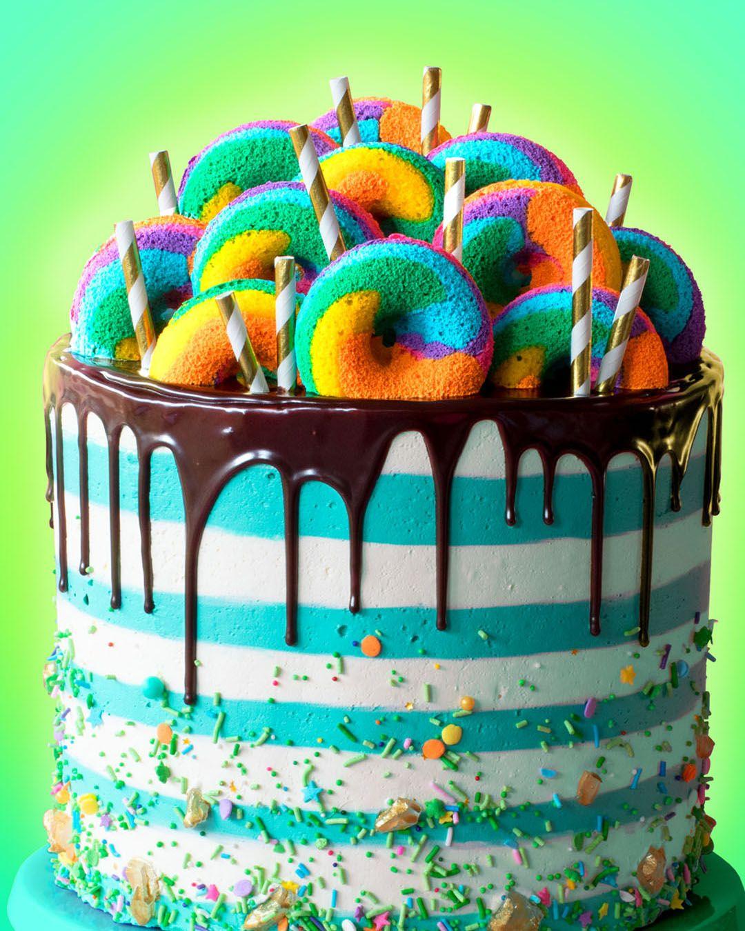 St Patrick's Day Leprechaun Cake #cupcakecakes