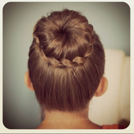 Pin By Brenda Zomer Borden On Hair I Like Flower Girl Hairstyles Updo Flower Girl Hairstyles Elegant Braided Hairstyle