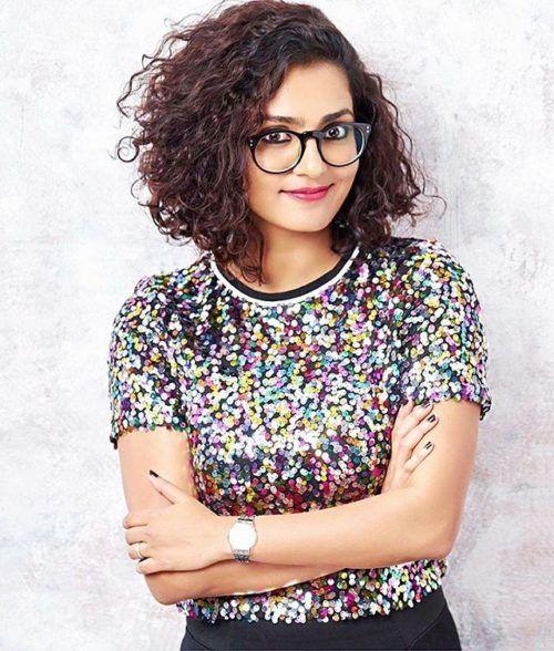 Parvathy Menon Malayali Actress With Short Curly Bob Girl Haircuts Curly Hair Styles Hair Styles