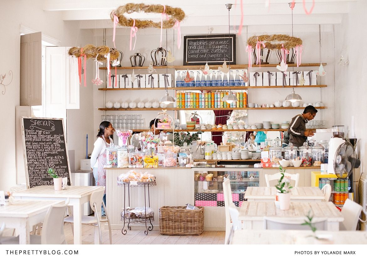 Morning Coffee at The Birdcage Café | Shop Tours | The Pretty Blog