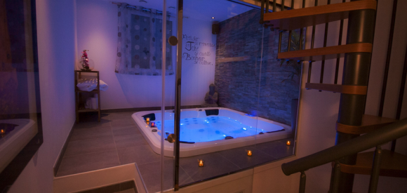 Chambre romantique avec jacuzzi privatif, proche Toulon ...