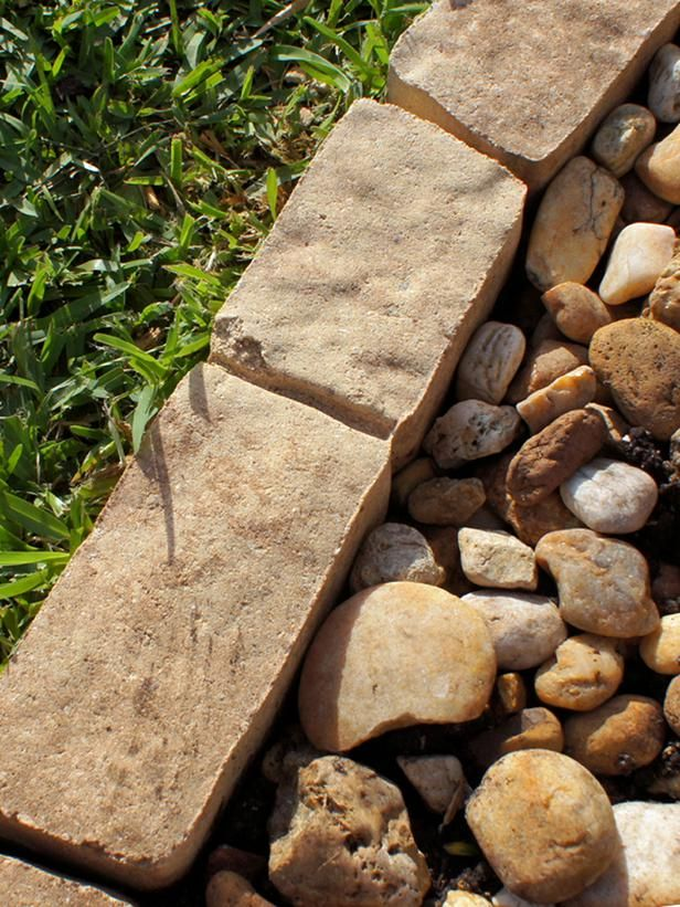 How To Install Garden Edging Gardens Natural Stones And 640 x 480