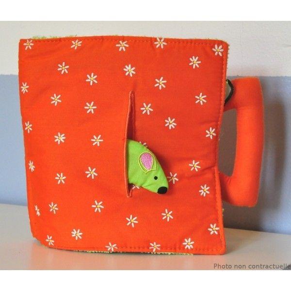 livre en tissu une souris verte livre d 39 veil b b livres en tissu b b livres b b livre. Black Bedroom Furniture Sets. Home Design Ideas