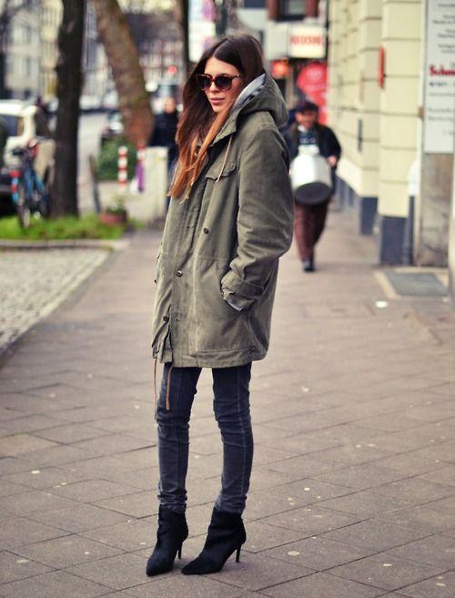 Black leather jacket. | Maja wyh, Street style winter, Maja
