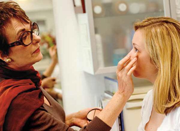 Blocking The Healing Art of Camouflage Cosmetics Dark