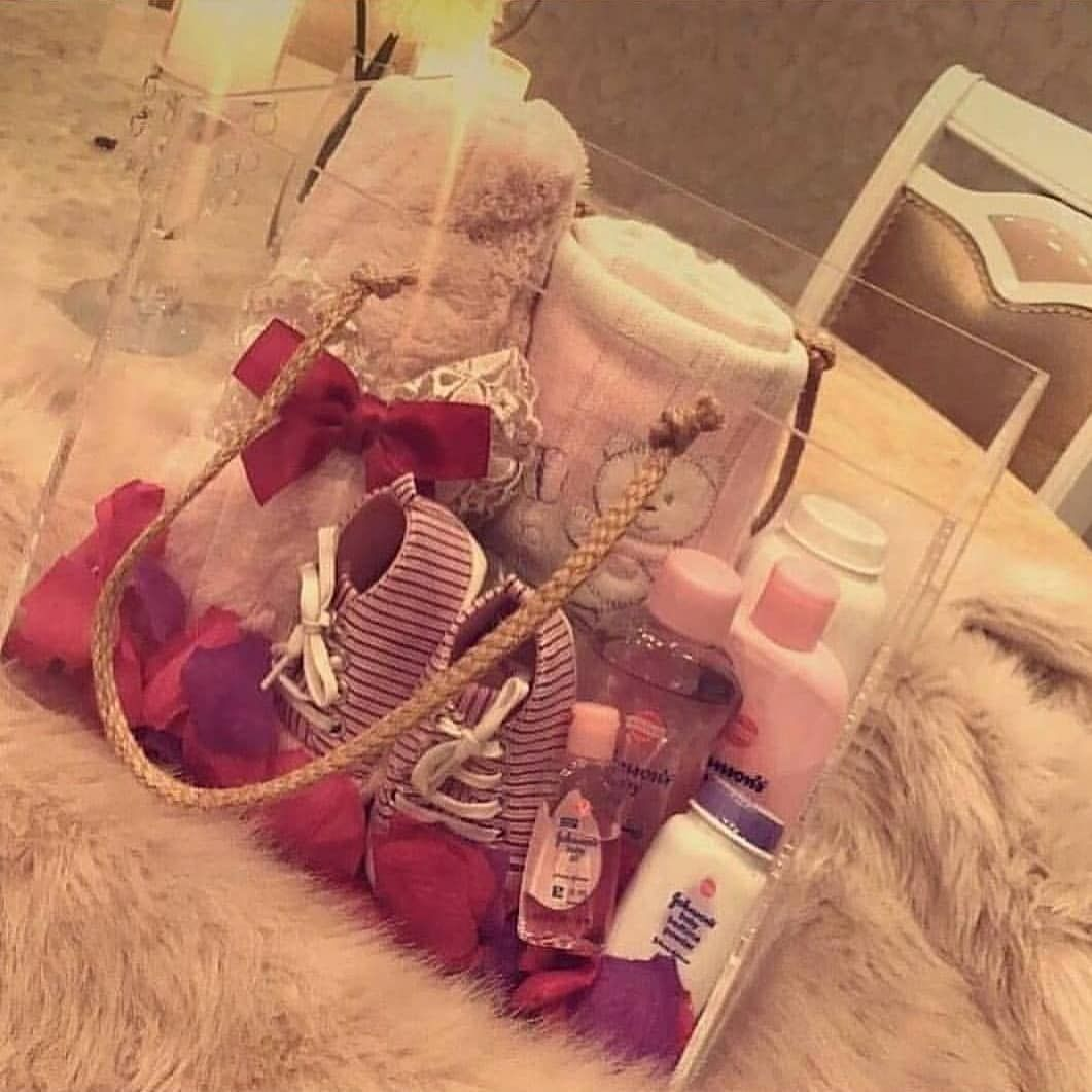 للطلب دايركت هدية هدايا مواليد هدايا مواليد توزيعات توصيل مندوب شتاء تغليف بوكس الشتاء تخرج برد عيد زواج مصاح Gift Wrap Box Baby Gifts Gifts