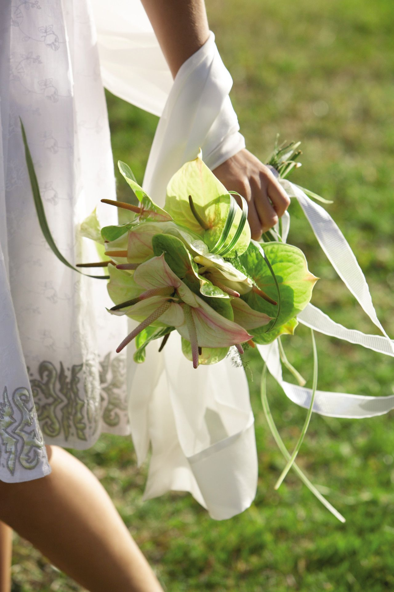 Bouquet Sposa Anthurium.A Wedding Bouquet Of White Green Anthurium Weddingflowersbycyndi