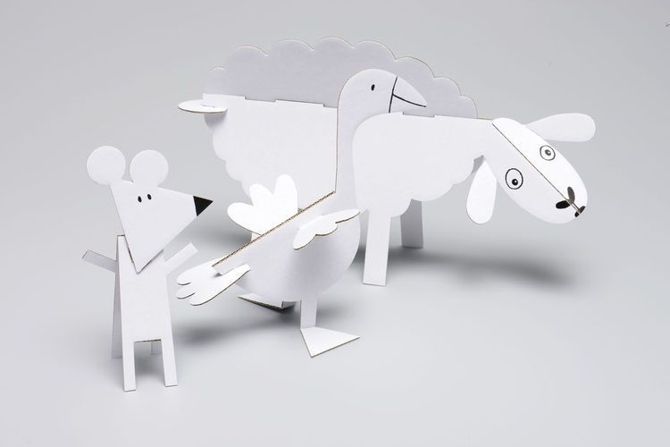15 Farm Animals Made From Recycled Cardboard