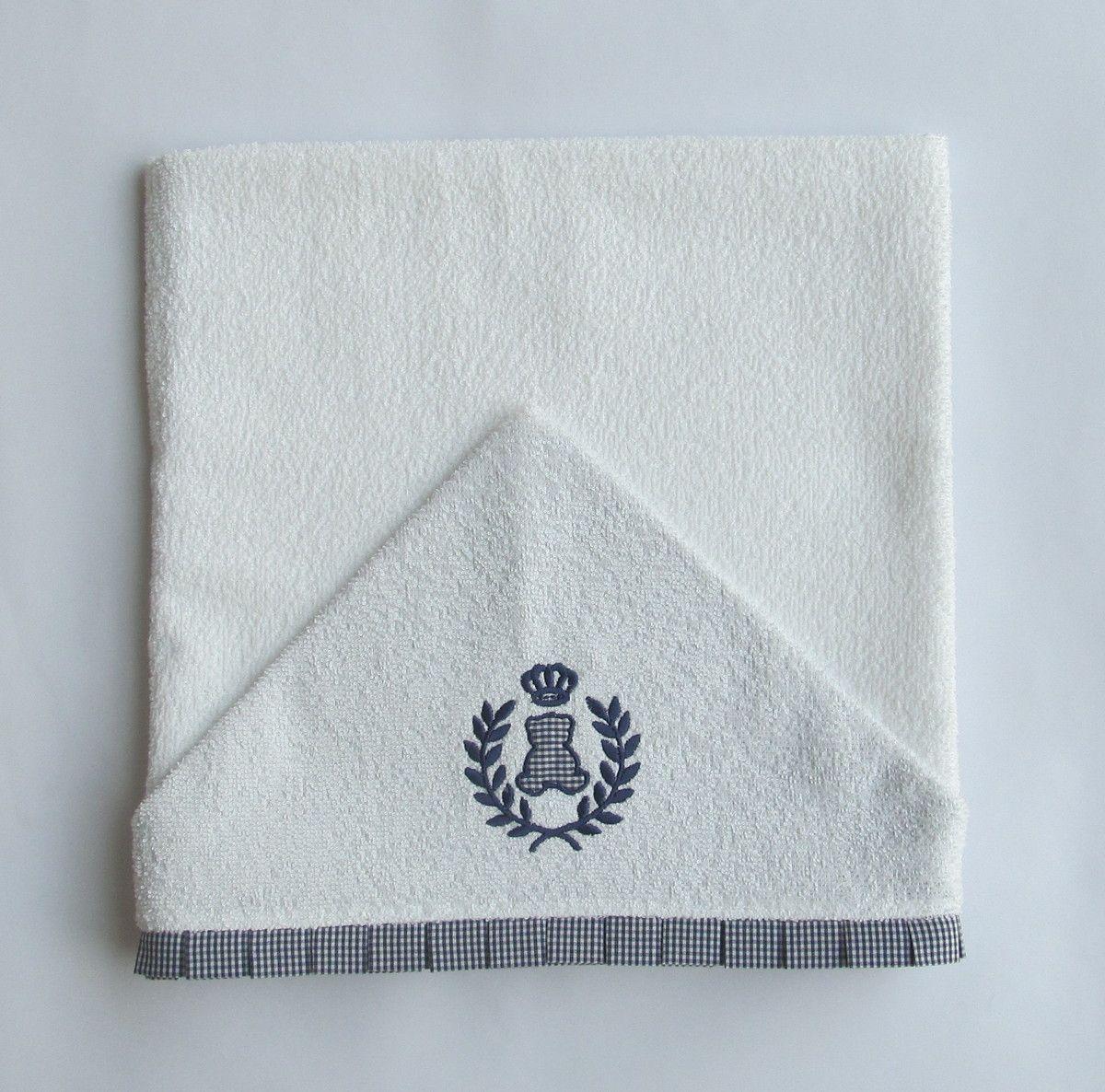 Toalha de banho para bebê.  Capuz bordado à máquina e forrado com tecido 100% algodão, sendo o mesmo usado para viés.  Disponível em outras cores e desenhos.