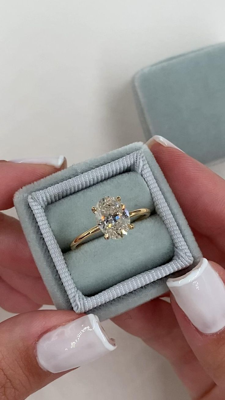 Engagement Rings We love