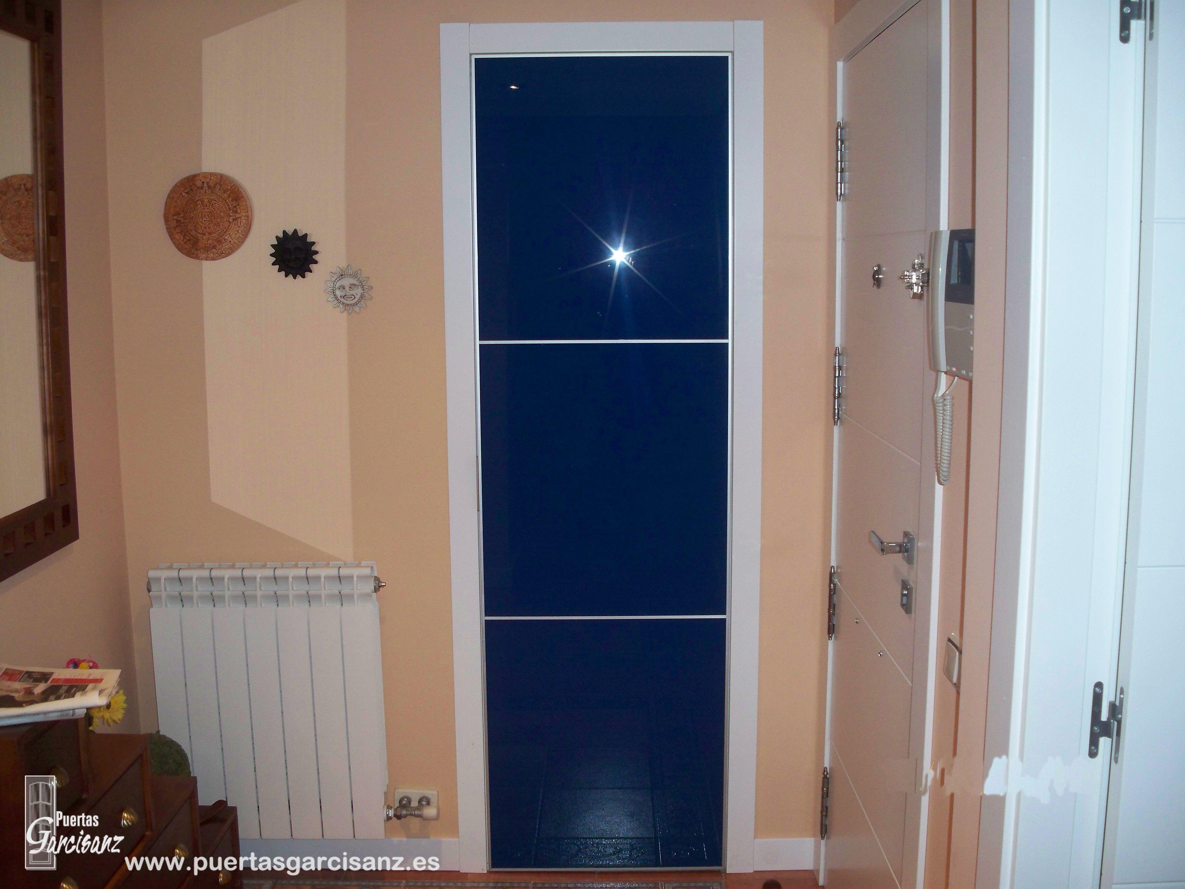 Frente de armario de puerta abatible en cristal lacado - Puerta cristal abatible ...