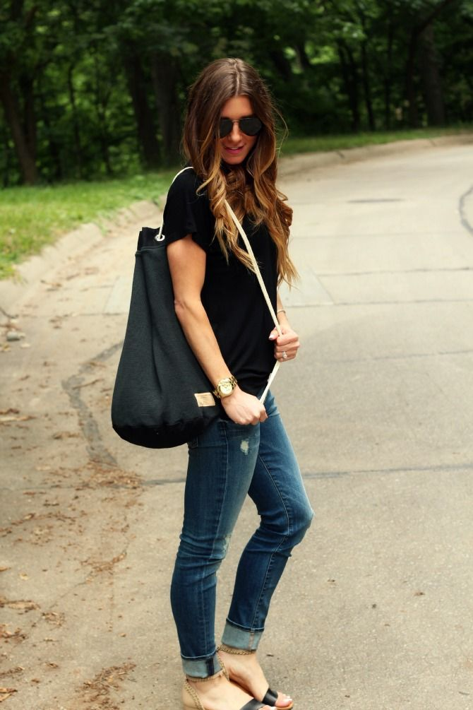 Love this casual tote.