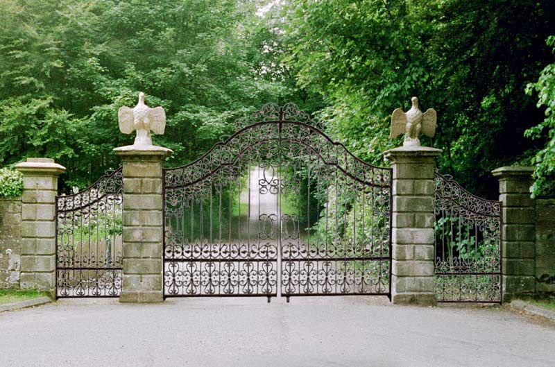Iron Gate Chateau De Cande 14 Th Cen France Wrought Iron Driveway Gates Ornamental Iron Gates Driveway Gate