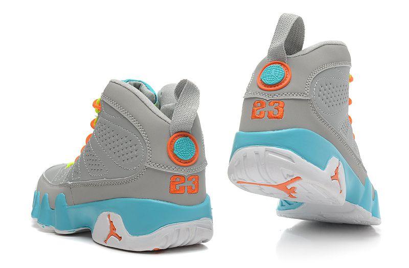 womans jordan shoes 9