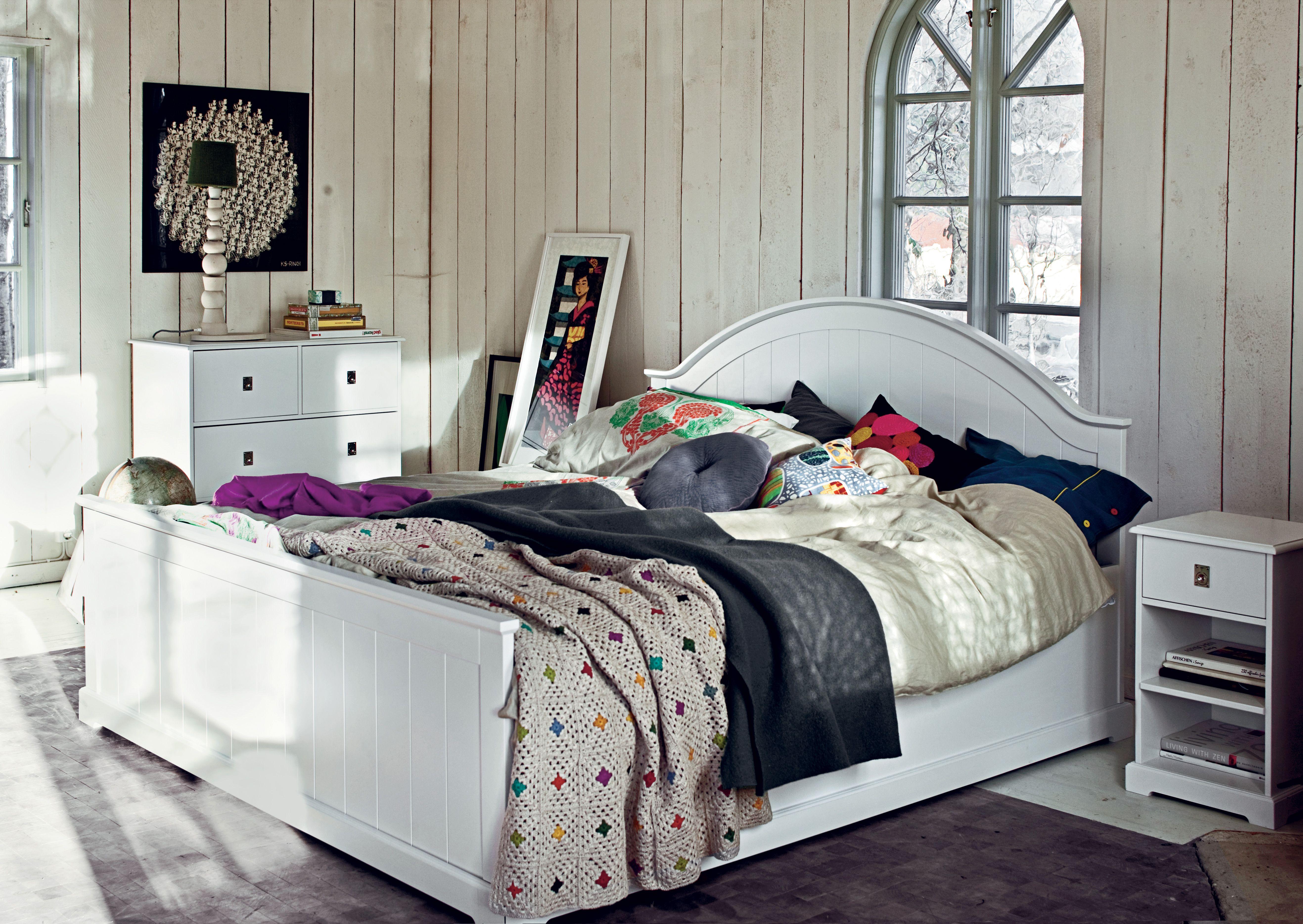 Blå blommigt snyggt till ljusgrått i sovrummet. madrass orion ...
