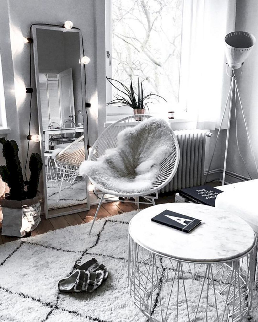 65+ Beautiful Aesthetic Room Decorations For Your Convenience / FresHOUZ.com -   - #aesthetic #beautiful #convenience #decorationappartement #decorations #diyDiningroomhutch #diyFamilyroom #diyhomecrafts #diyhomeideas #diyhomeonabudget #diyWoodencratesbookshelf #freshouz #FresHOUZcom #Livingroomdecor #Room #roomdecoration #Rustichouse