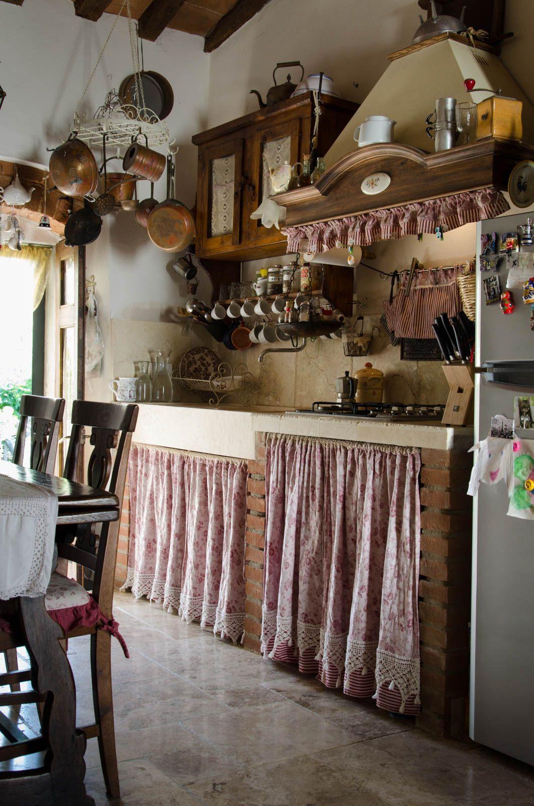 cucina in pietra stile country shabby chic pavimenti rivestimenti ...