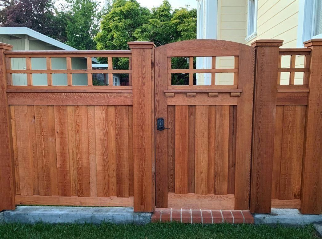 Clear Western Red Cedar Building Materials Used For Custom Fence Cedar Country 1000 In 2020 Western Red Cedar Cedar Gate Wood Fence Design