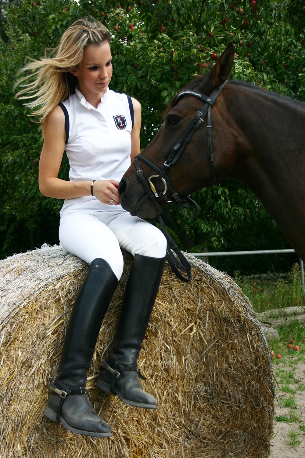 Pin by Andreas Meyer on sexy women in riding boots | Horse ...