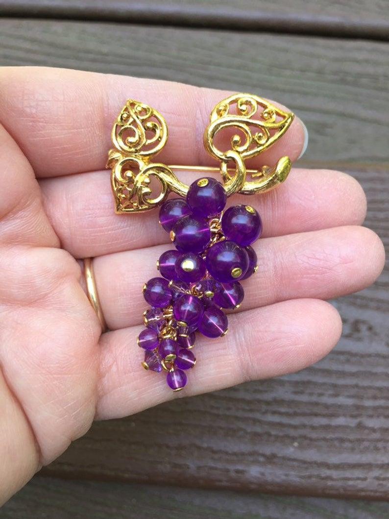 Vintage Jewelry Signed Avon Beautiful Purple Concord