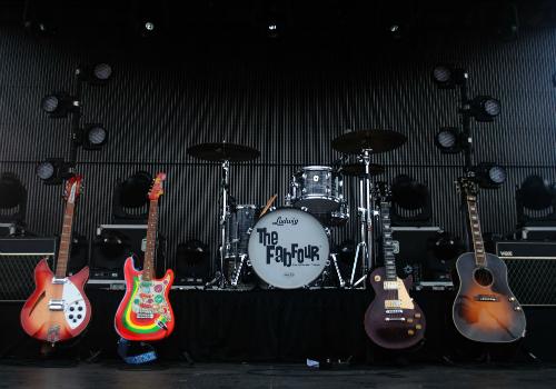 empty rock concert stage - Google Search | Rock concert ...